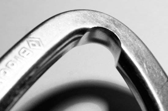 detailed Image of a harsh rope-worn carabiner