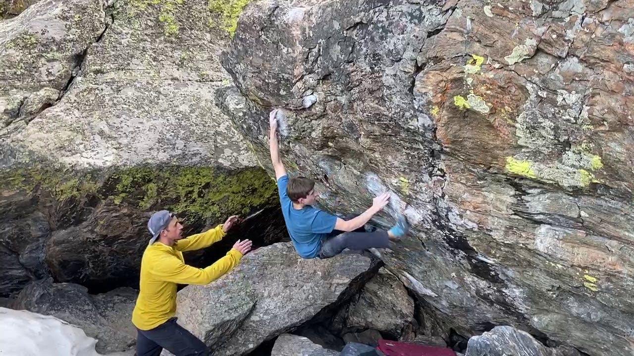 Colin Duffy on Top Notch V13/8b