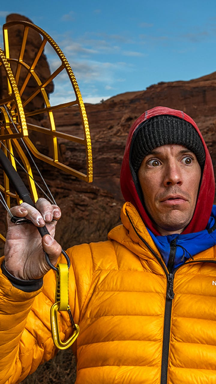 Alex Honnold handles two monster cams