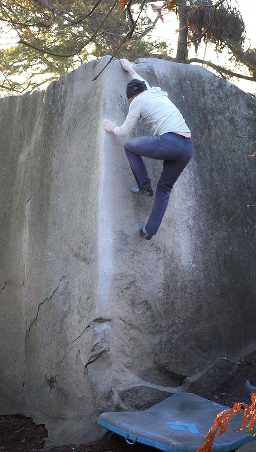 Chris Schulte bouldering