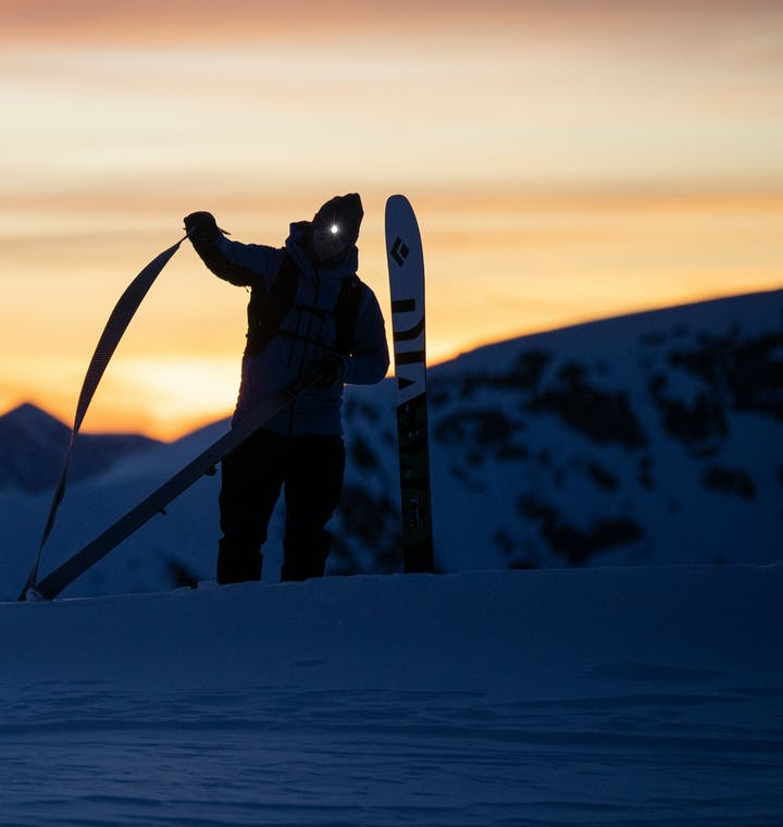 skier taking off skins