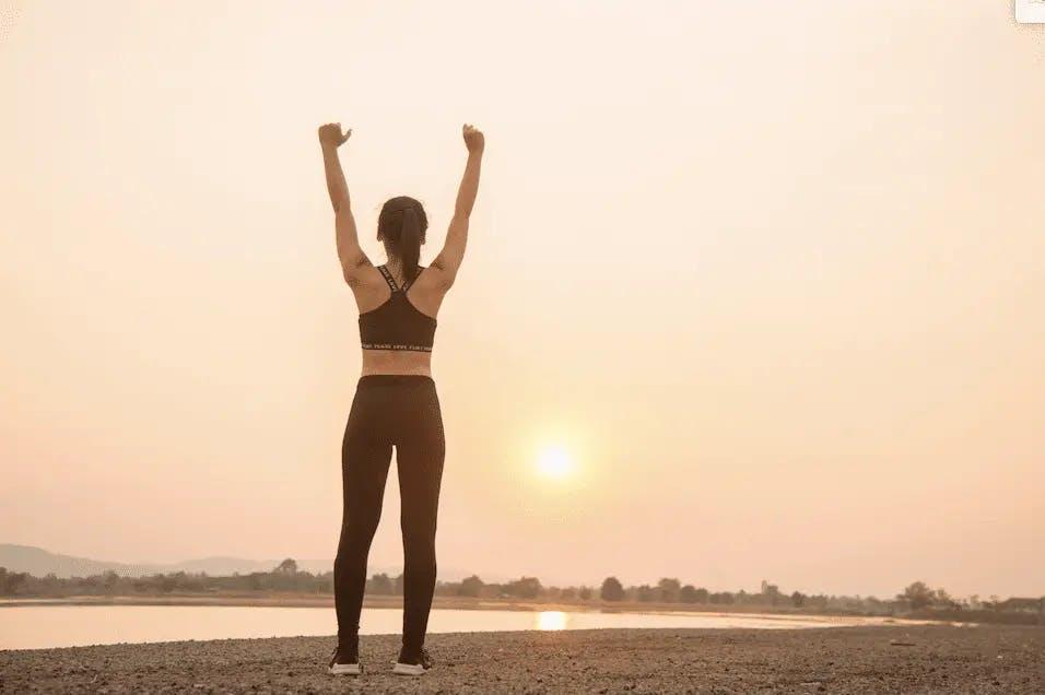 Exercícios pela manhã para animar o dia