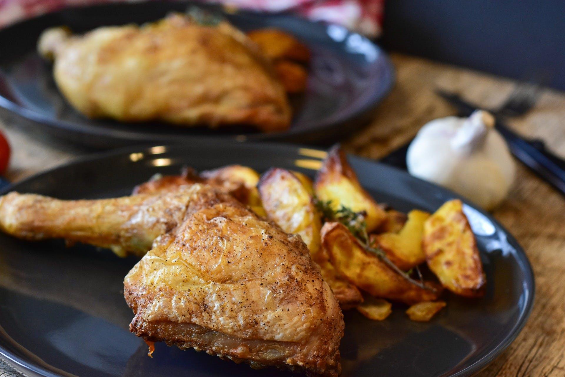 frango com batatas fritas