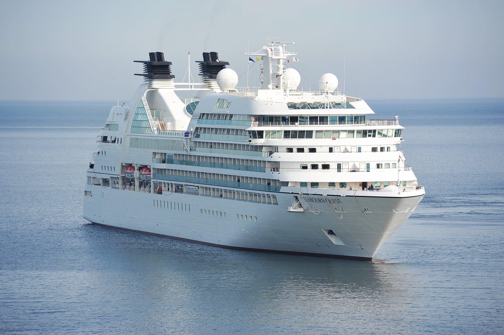 cruzeiro em alto mar