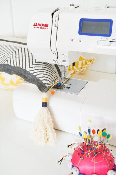 making pillow with sewing machine