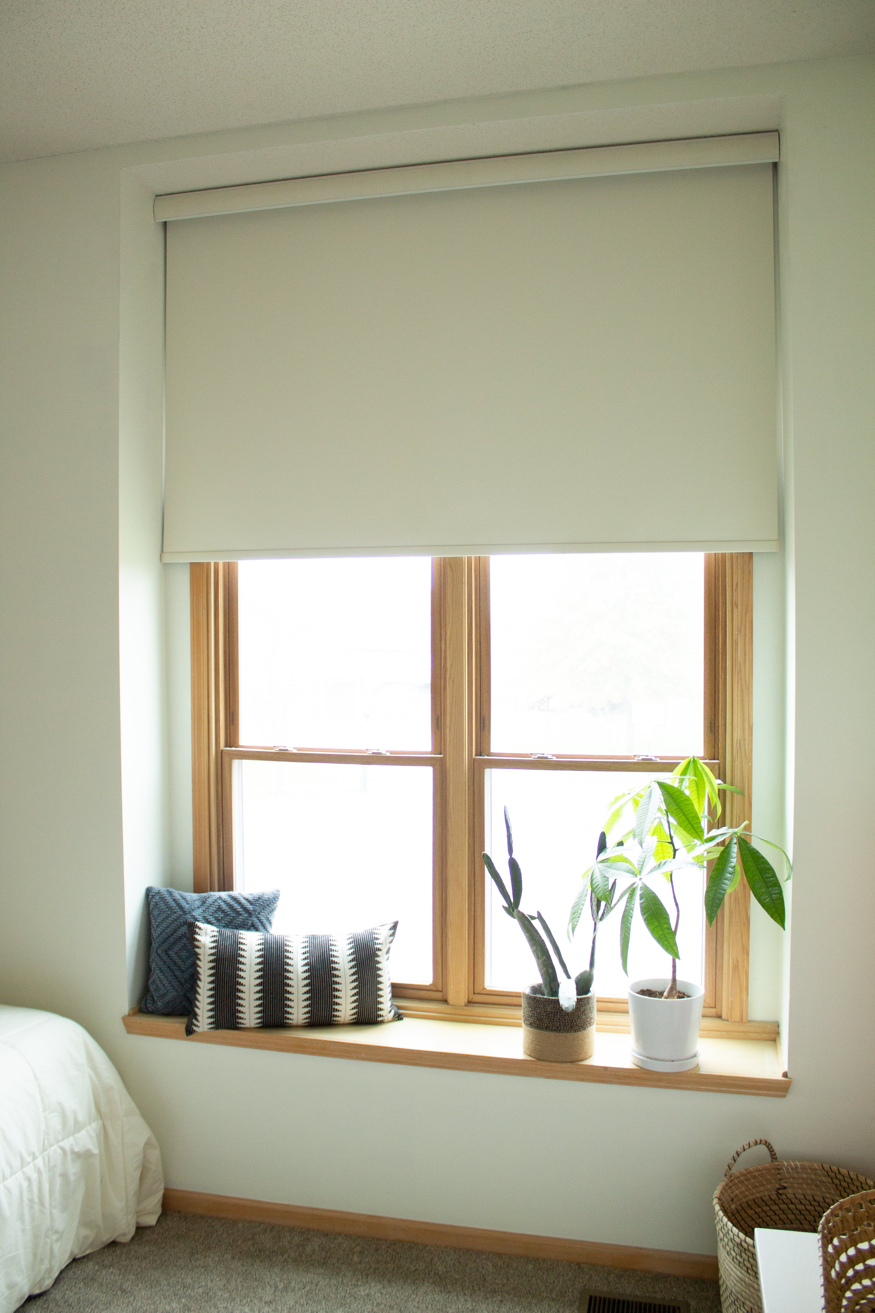 window seat with blackout shades
