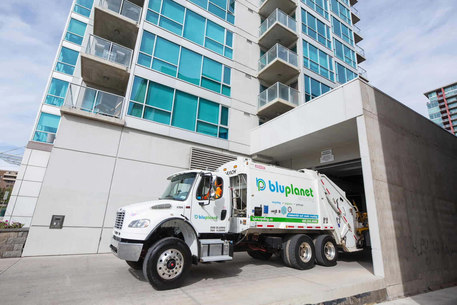 BluPlanet Truck Backing into a Parkade Safely and Efficiently