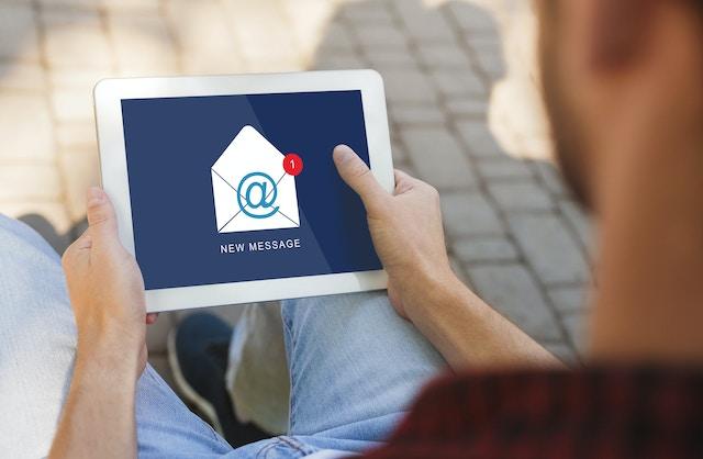 Skicka nyhetsbrev online till dina kunder