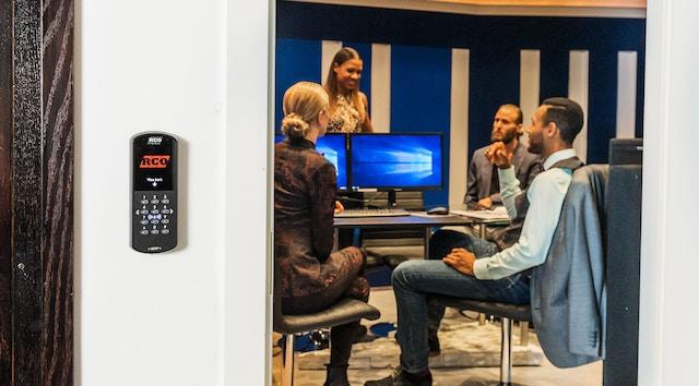 Använd ett passersystem för dina möteslokaler och konferensrum