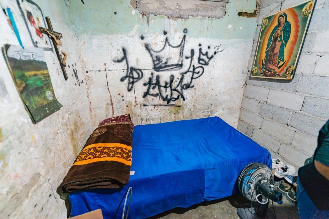 La habitación de Eduardo se manitene intacta, para preservar su recuerdo.