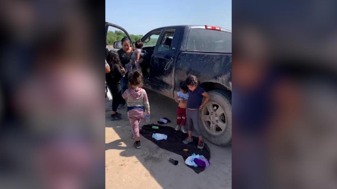 niñas migrantes abandonadas en Eagle Pass.