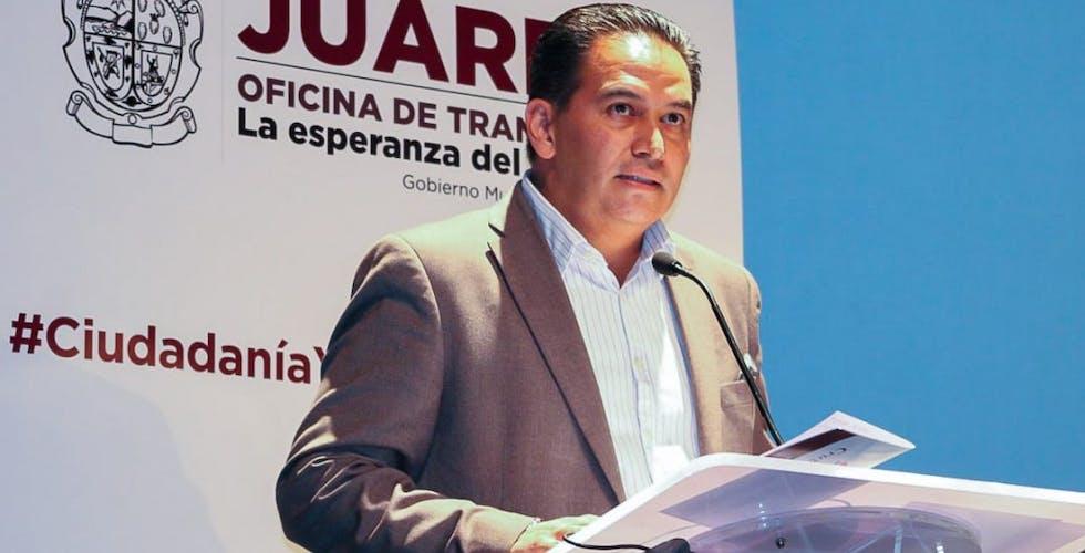 Pérez Cuéllar involucra a su hermano en asuntos del Municipio de Juárez