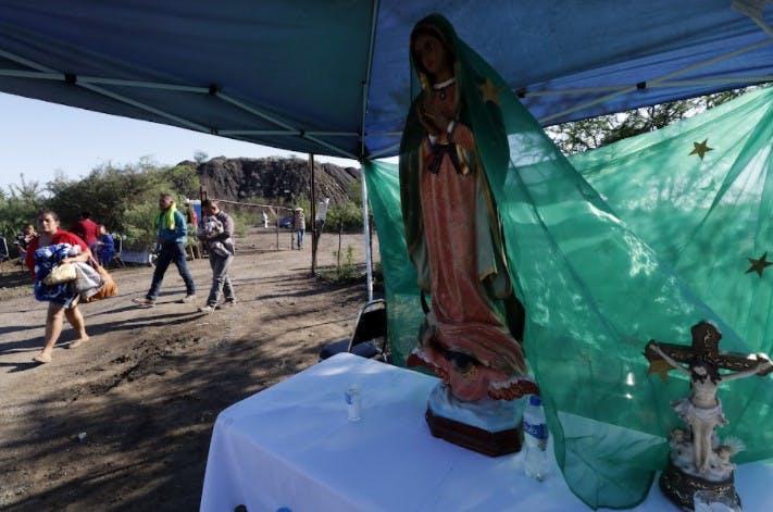 Virgen de Guadalupe afuera de la mina de Micarán.