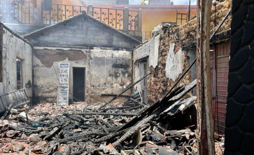 Casasa de vedndedores de drogas destruidas por habitantes de Pantelhó.