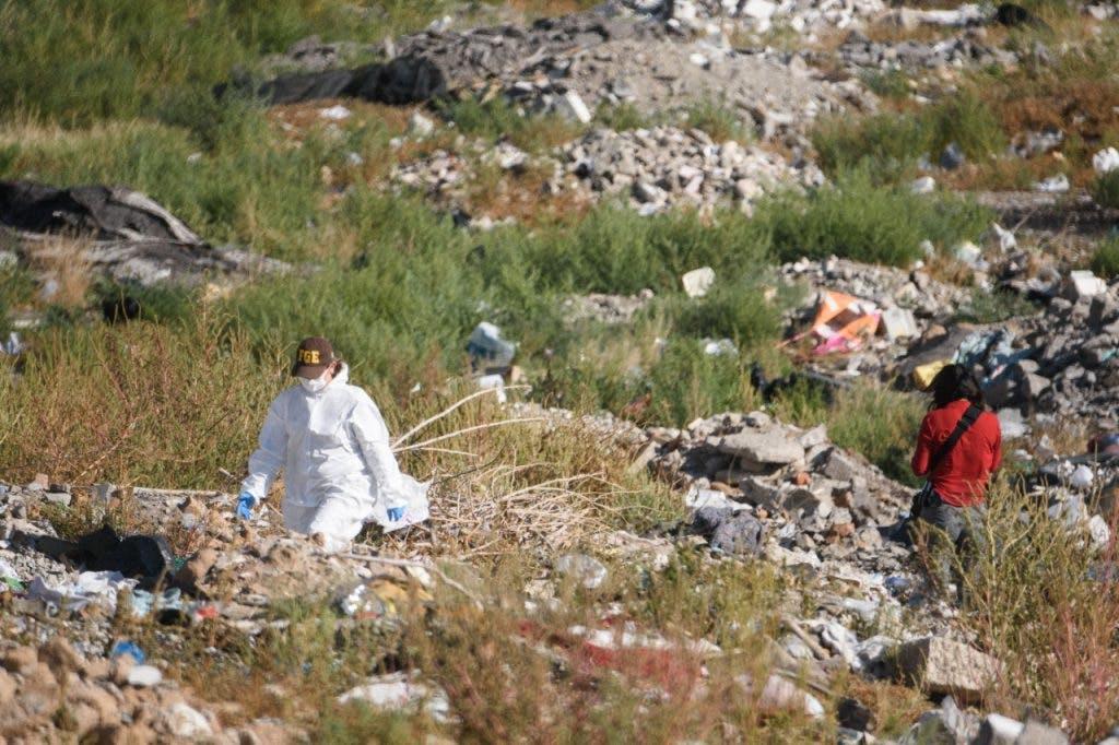 Cadaver de una mujer encontrado en el basurero de la colonia änfilo Natera.