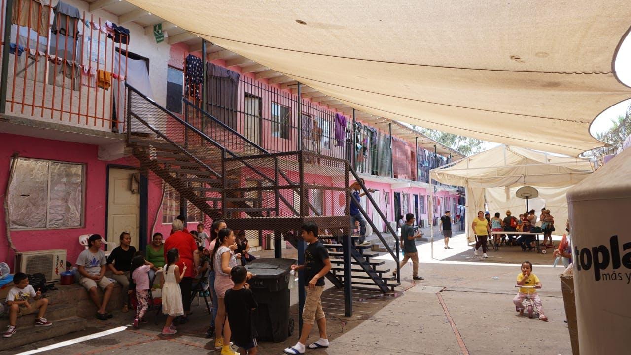 Refugio de migrantes en Mexicali.