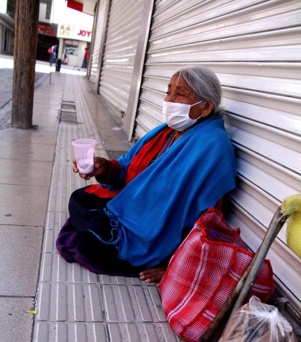 Ancianos abandonados en Saltillo.
