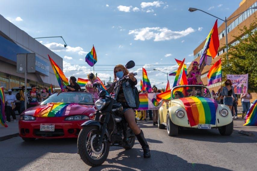Marcha por el orgullo gay en Chihuahua.