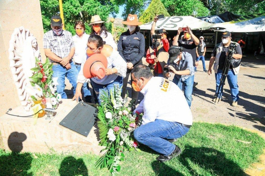 Alfredo Lozaoya en un acto en memoria de Jessica Silva.