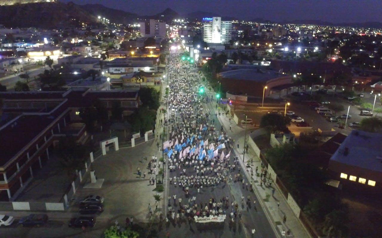 Manifestación en Hermosillo, Sonora, en exigencia de justicia para las víctimas de la Guardería ABC