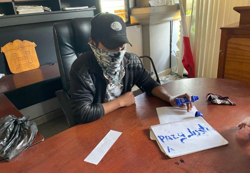 INtegrante del grupo de autodefensa El Machete, en Pantlehó,
