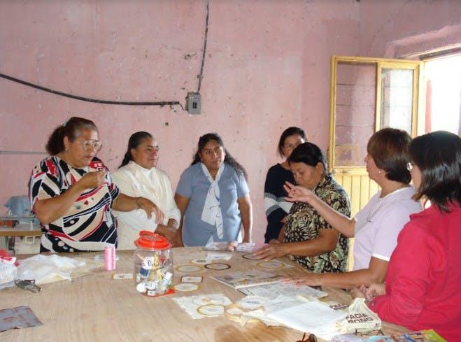 Mujeres tratan de rescatar la zona arqueológica de Narigua en Coahuila