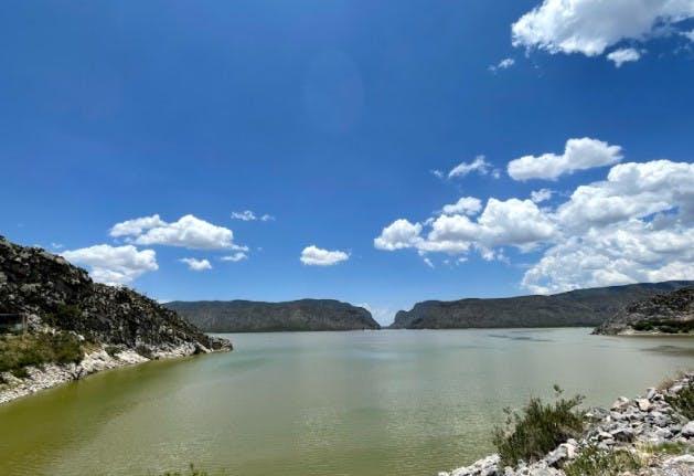 Aspecto de la cuanca media del rio Nazas.