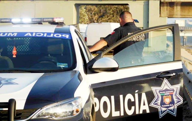 Policías de Tijuana compran incapacidades a doctores.