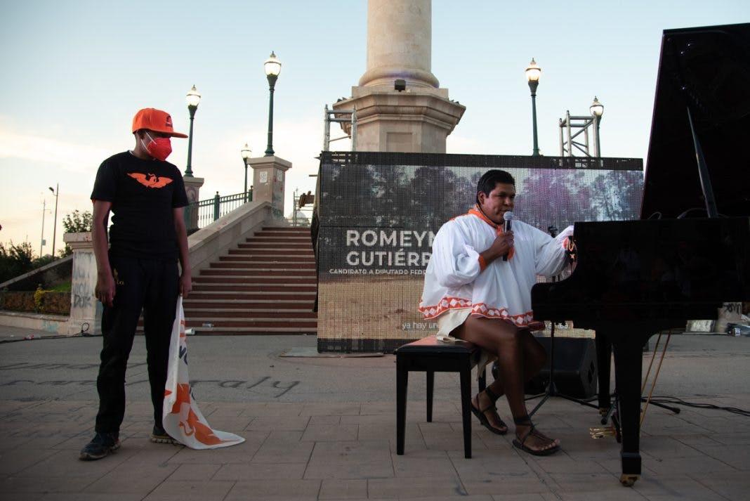 el Pianista Romeyno Gutiérrez.