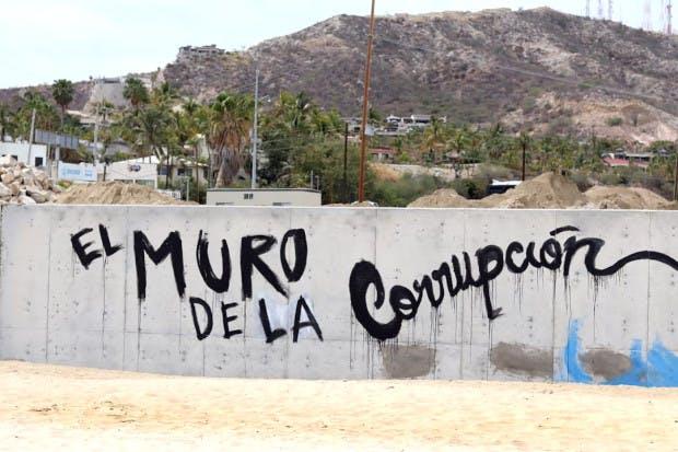 Muro de la cprrupción en Los Cabos