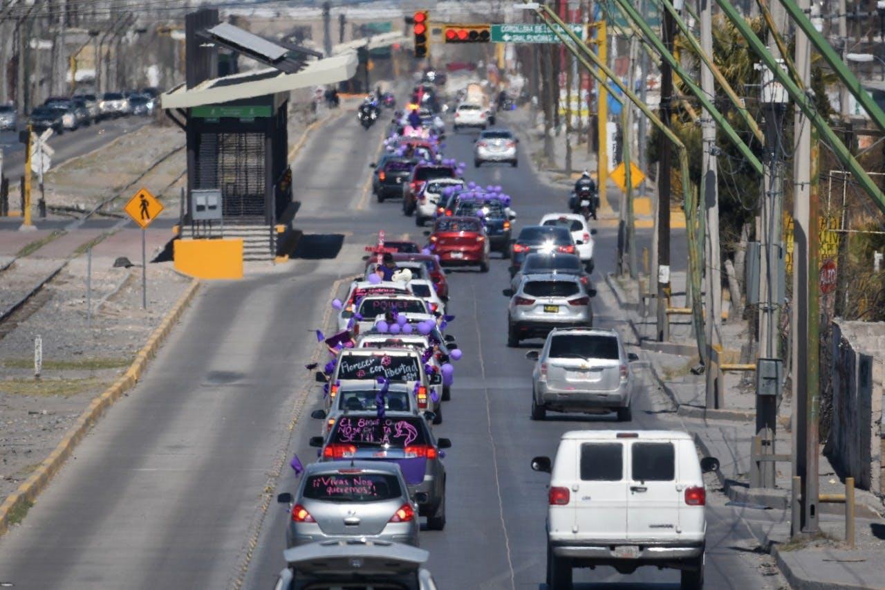 Caravana en protesta contra la violencia contra las muejres Ciudad Juarez