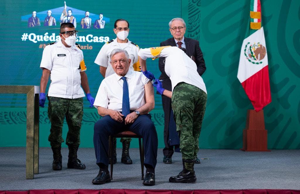 El presidente Andrés Manuel López Obrador, se puso la vacuna contra el COVID-19