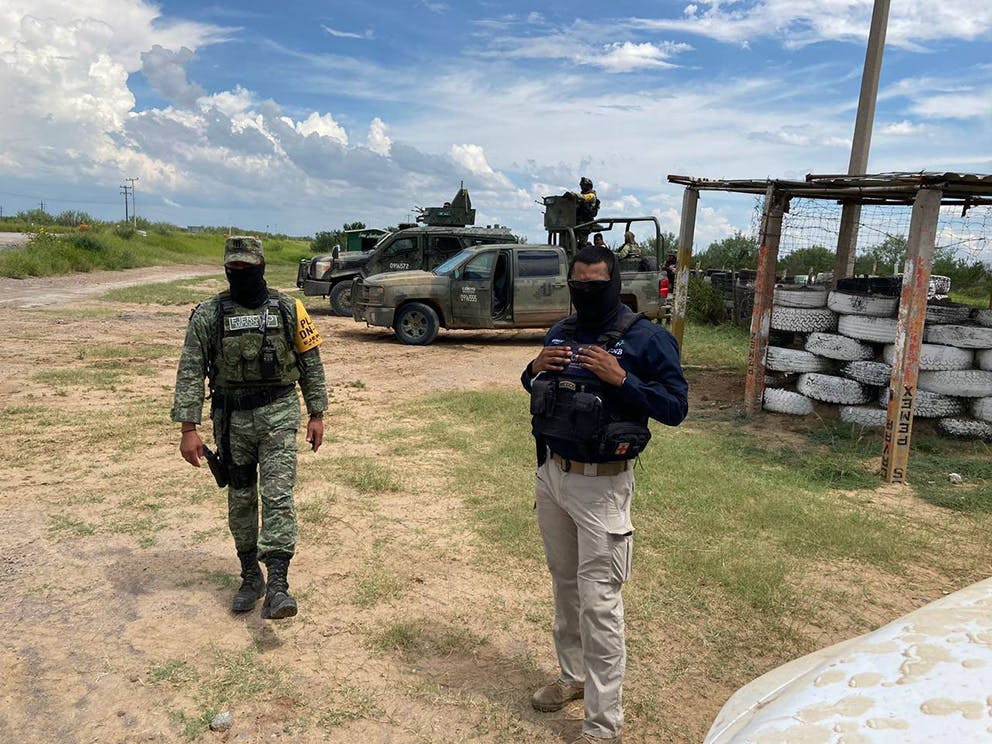 Operativo de vigilancia carrtera Monterrey Nuevo Laredo.