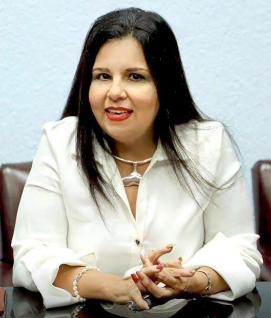 Armida Castro, alcalde con licencia de Los Cabos, fue negligente al permitir la construcción del muro