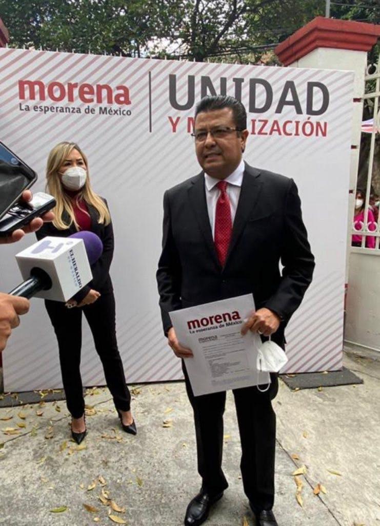 Armando Cabada.