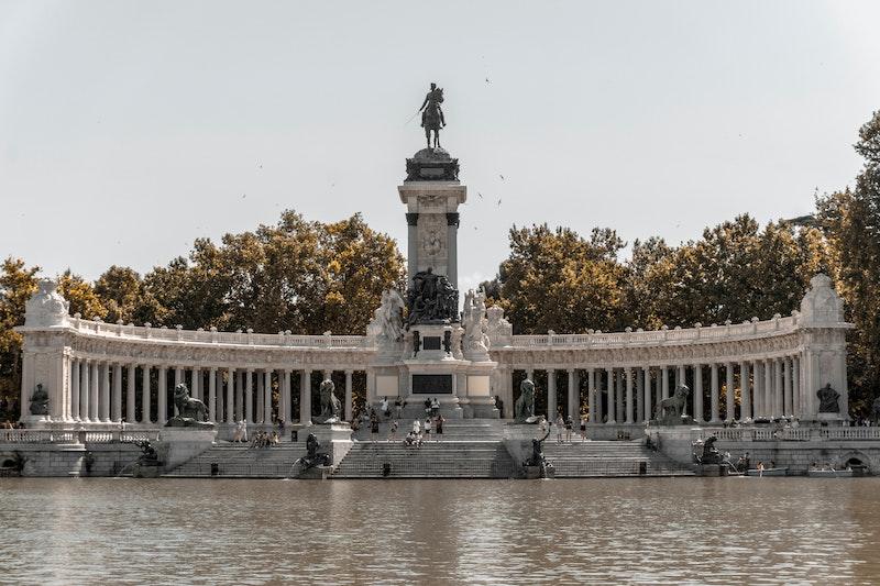 el retiro park lake