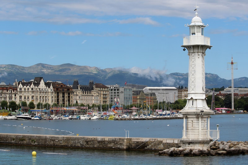 Bain de Paquis in Geneva