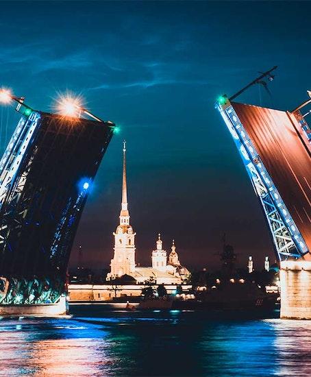 Хранение багажа в Санкт-Петербург