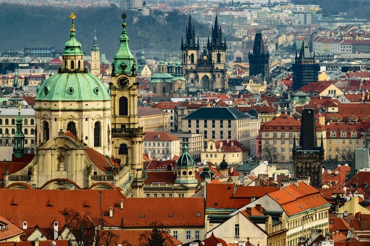 プラハ の手荷物保管スペース
