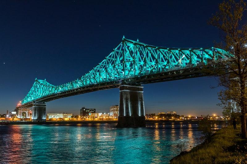 Jacques Cartier bridge at night