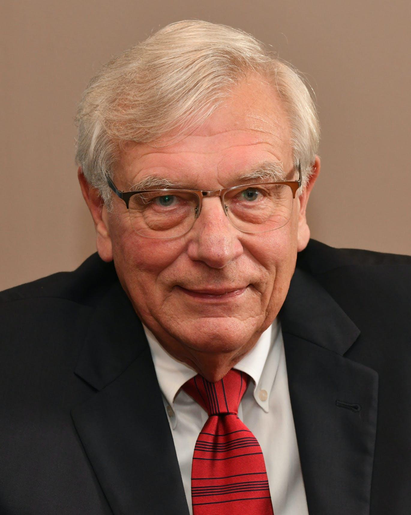 Profile photo of Tom Cross