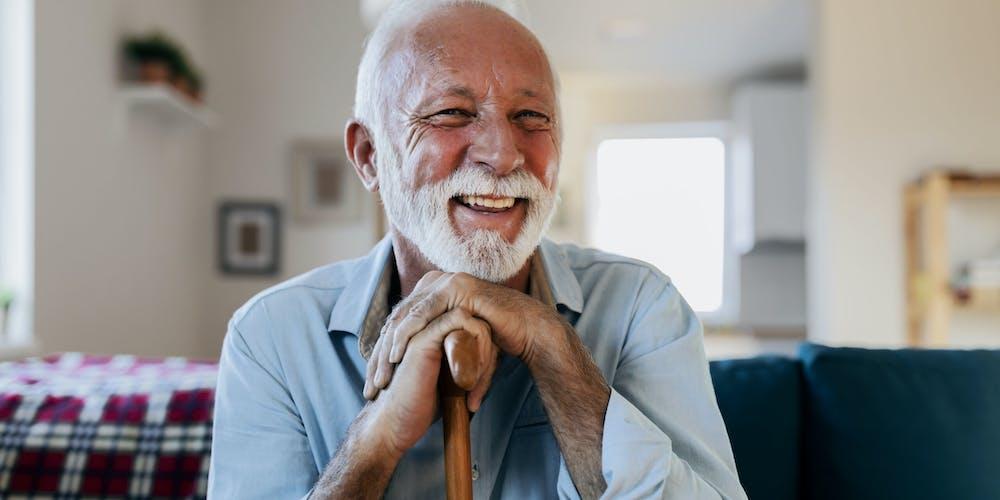 anziano felice