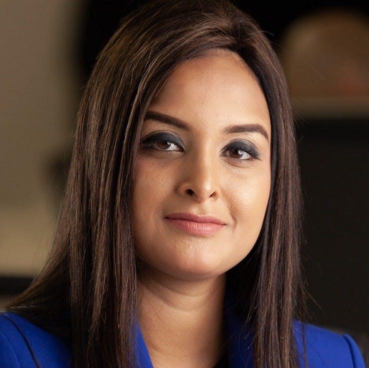 Fatima Zaidi headshot