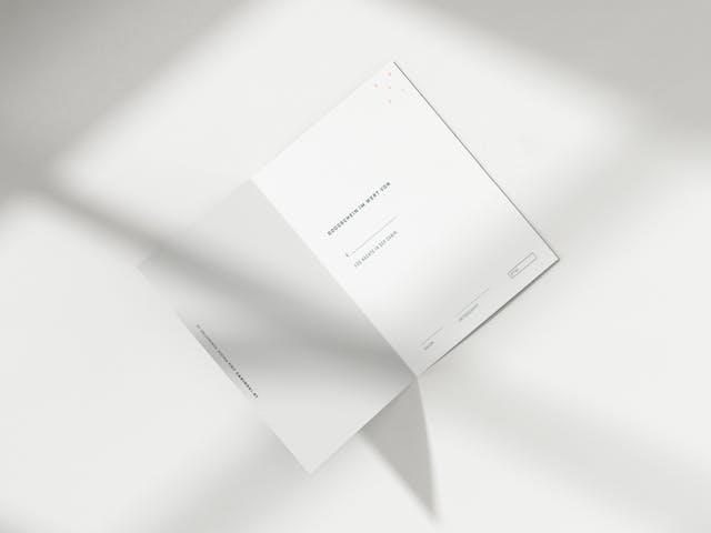 Der Gutschein kommt fertig ausgefüllt und hochwertig auf 350g Papier gedruckt direkt zu dir nach Hause