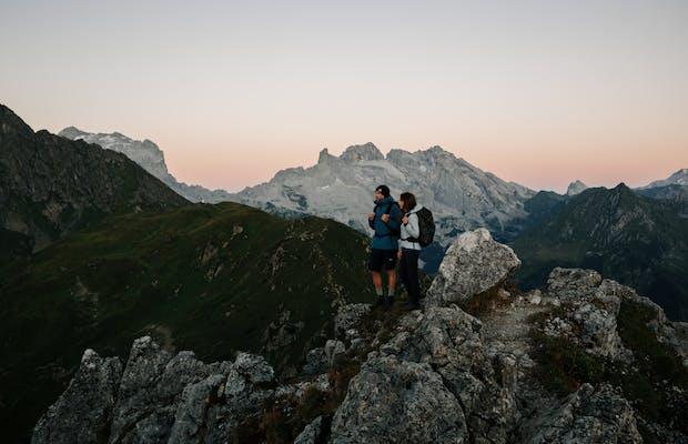 sommerurlaub montafon wandern berge tschaggunser mittagsspitze