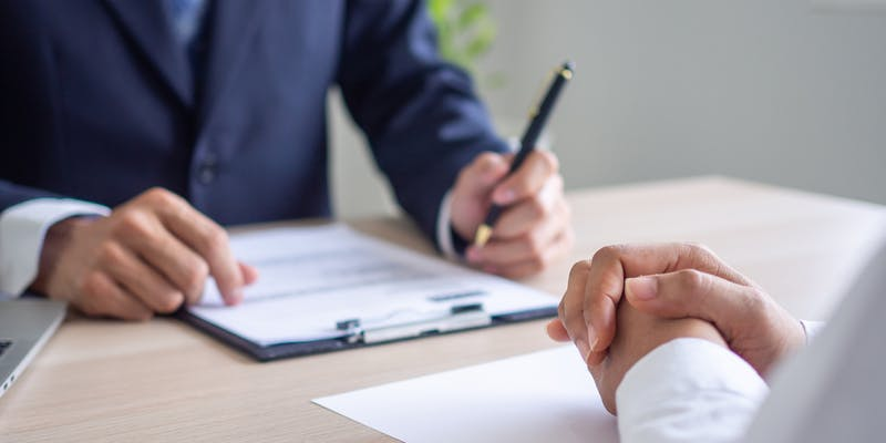 Qu'est-ce qu'un entretien préalable au licenciement et comment s'y préparer ?