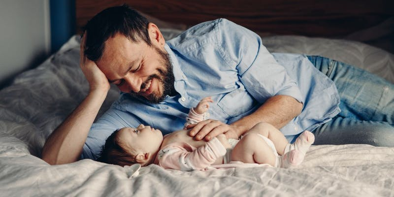 Durée du nouveau congé de paternité : de 14 à 28 jours dont 7 obligatoires