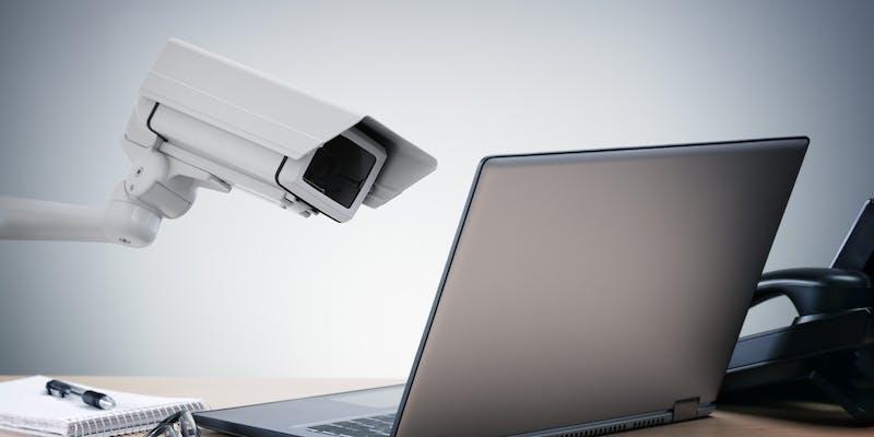 Que dit la loi en matière de surveillance au travail ?
