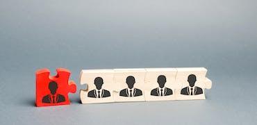 Peut-on licencier un cadre placé en chômage partiel ?