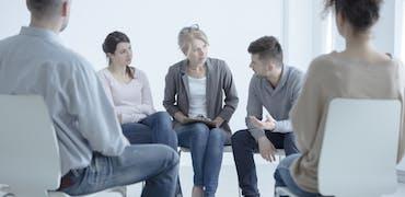 Alcool, drogue, hyper connexion : les cadres face au tabou des addictions